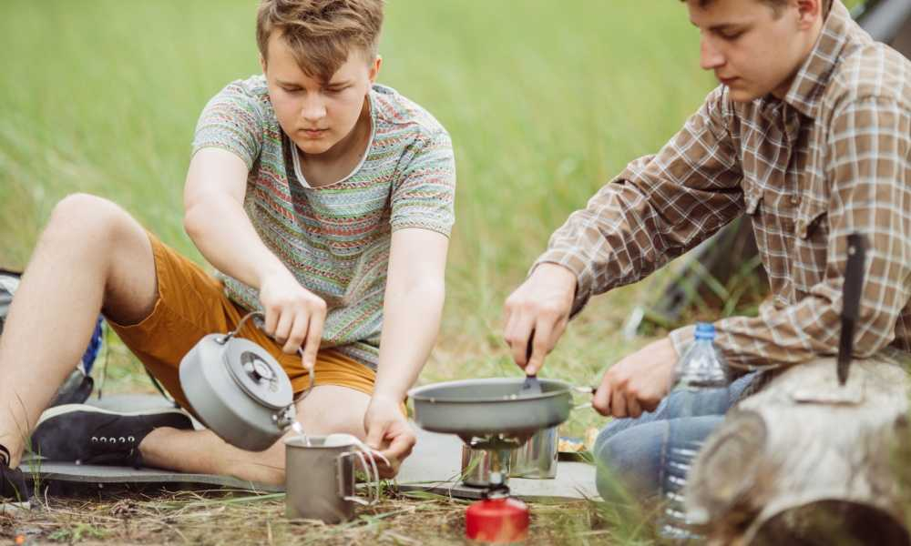 Housweety Lightweight Large Burner Classic Camping and Backpacking Stove Review